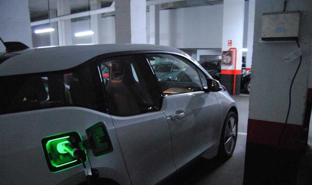 El administrador de fincas y su papel crucial para el vehículo eléctrico
