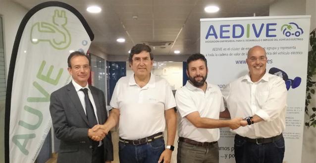 Los usuarios de vehículo eléctrico se integran en AEDIVE