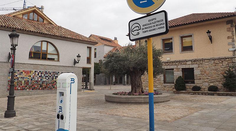 Torrelodones habilita su primer punto de recarga de vehículos eléctricos