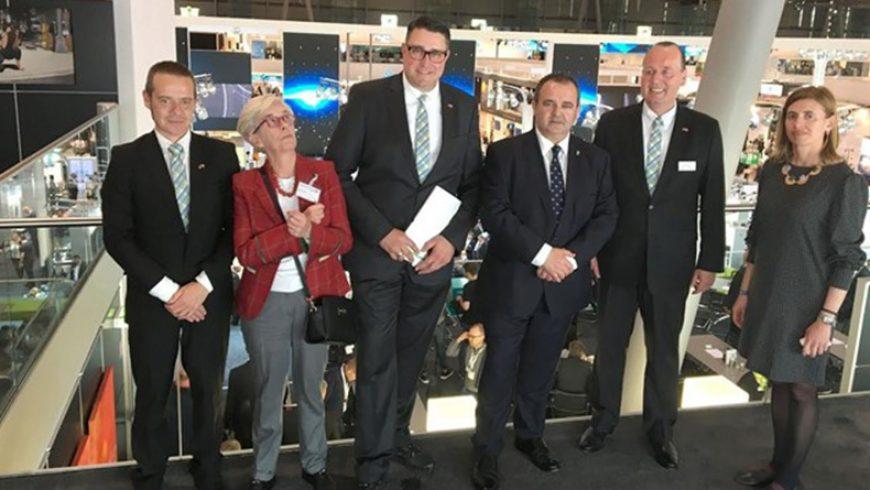 El Gobierno de Asturias y Phoenix Contact colaborarán en divulgar la movilidad eléctrica