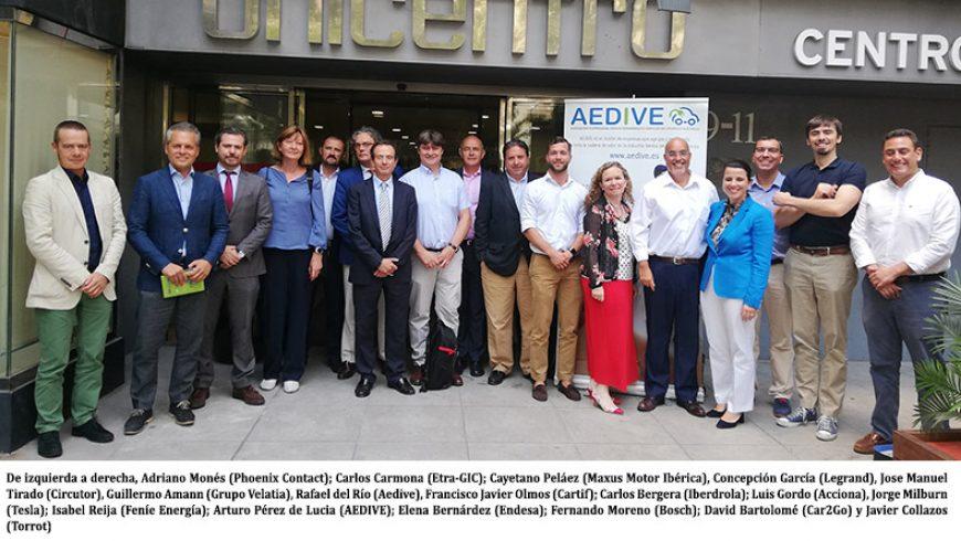 La nueva Junta Directiva de AEDIVE toma posesión