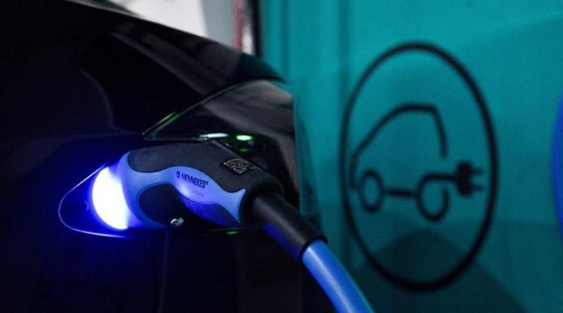 Endesa asume la recarga de vehículos eléctricos en los aparcamientos de la red de Saba y Bamsa