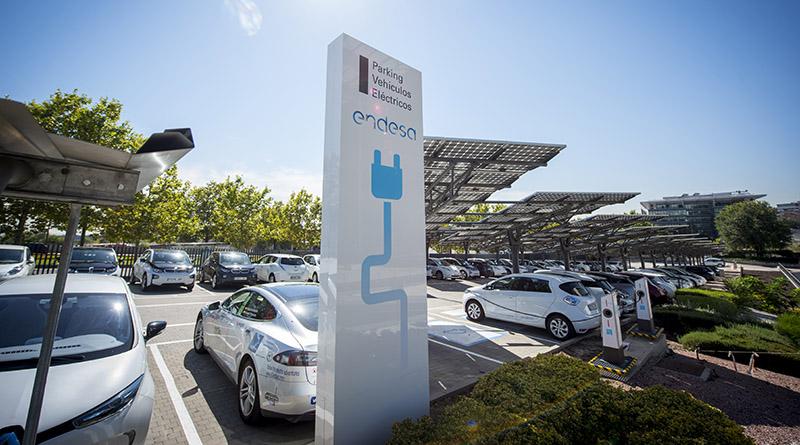 La mitad de la flota de Endesa estará electrificada en tres años