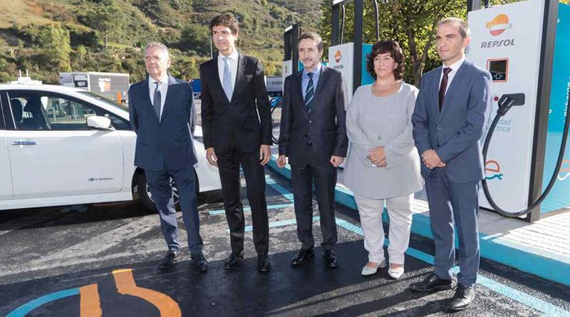 IBIL y Repsol inauguran en Bizkaia la estación de carga con los puntos de mayor potencia de Europa. Cuatro puestos de 400 kW cada uno