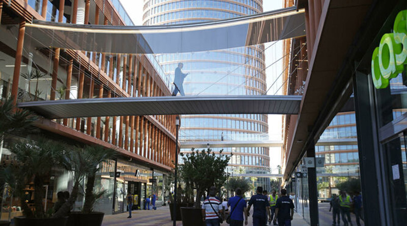 El parking de Torre Sevilla acoge una nueva 'electrolinera' de recarga rápida