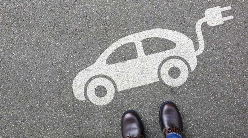 Las ventas de coches eléctricos subirán un 170% en 2020 y no superarán las 100.000 unidades hasta 2023