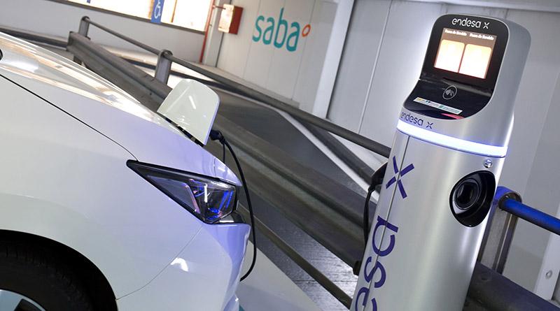 Endesa X, Saba y Bamsa lanzan ParkElectric para facilitar la recarga a quien no tiene parking privado