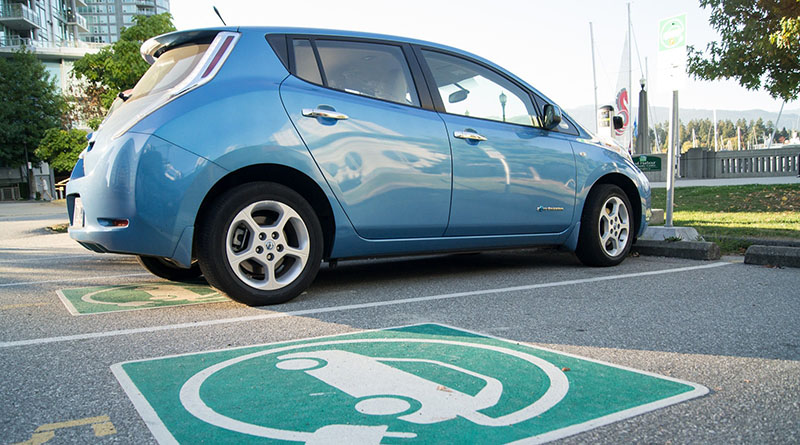 Las matriculaciones de vehículos eléctricos puros cayeron más de un 47% en febrero