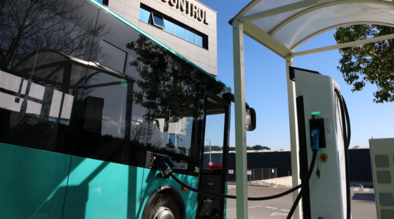 Un autobús eléctrico recorre de Barcelona a Madrid por primera vez: un largo viaje de 11 horas con varias paradas