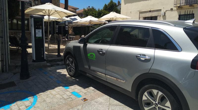 Braojos de la Sierra se suma a la movilidad eléctrica con un punto de recarga de vehículos eléctricos en la vía pública