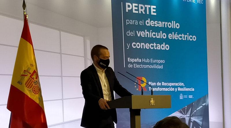 """Adriano Mones, presidente de AEDIVE: """"Necesitamos colaboración público-privada y músculo financiero para afrontar los retos de la movilidad eléctrica en España"""""""