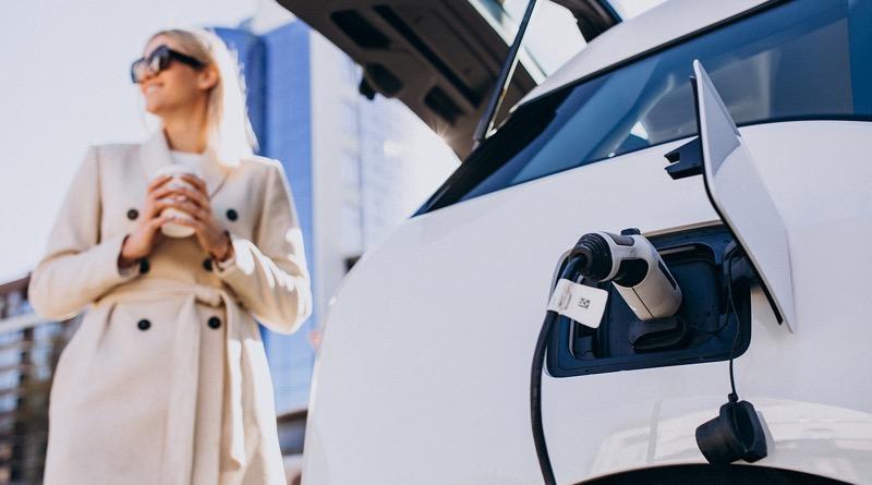 BBVA, primer banco en asociarse con AEDIVE para impulsar la movilidad eléctrica