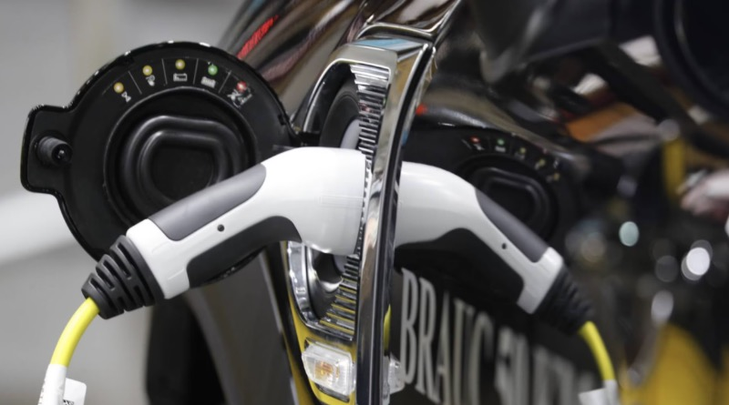 Endesa y Urbaser levantarán en León la primera planta de reciclaje de baterías de coches de España